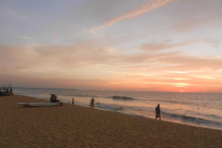 Sri lanka honeymoon destinations discover this romantic for Beach honeymoon destinations in the us